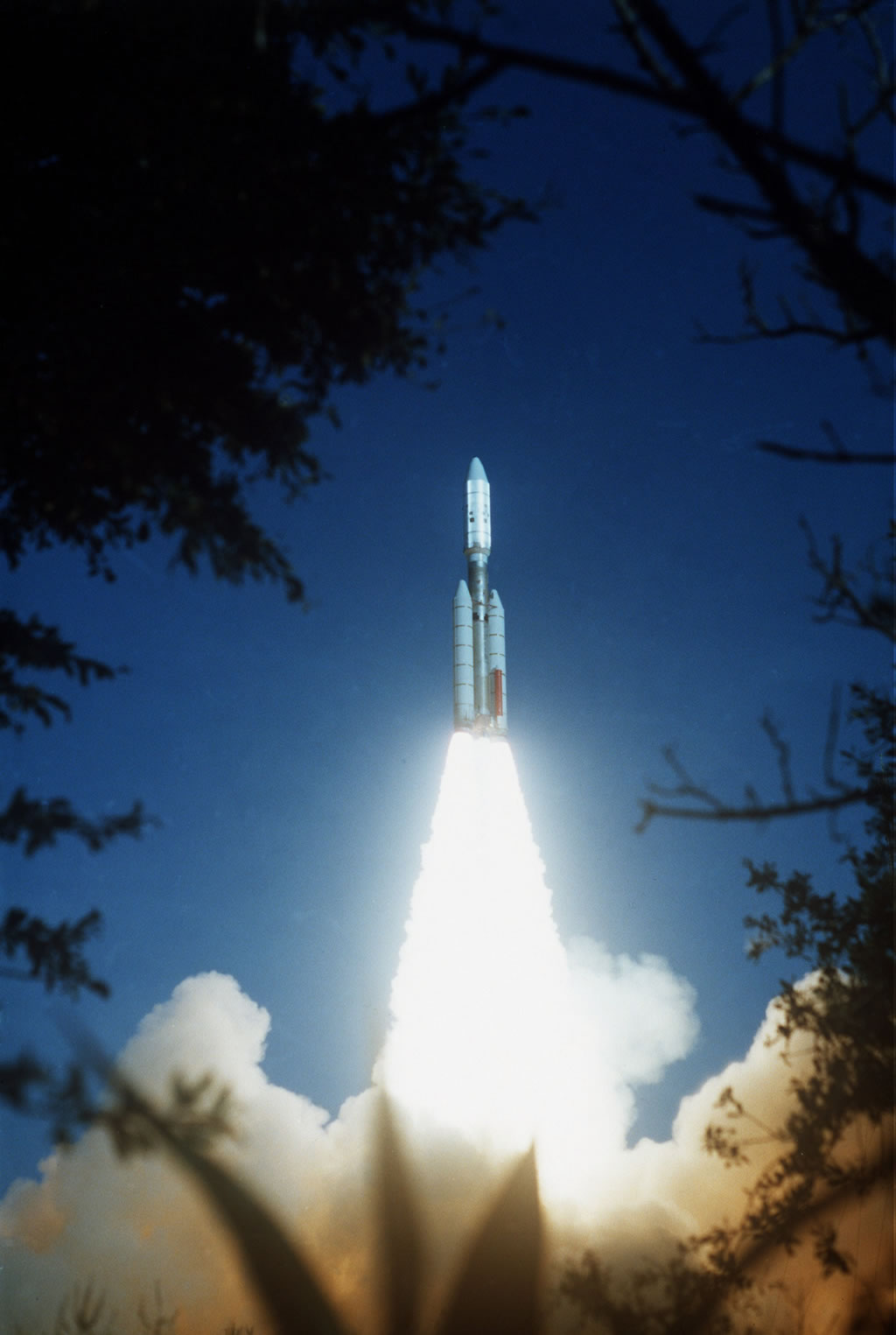 rocket that launched voyager 2 - photo #1
